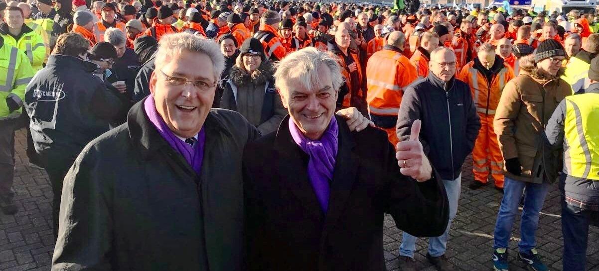 Henk Krol en Martin van Rooijen bij actie in Rotterdam